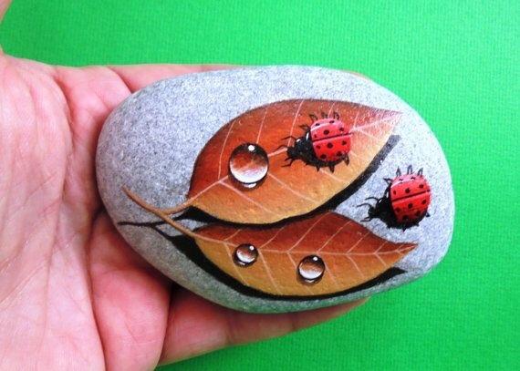 Vẽ tranh trên đá nghệ thuật